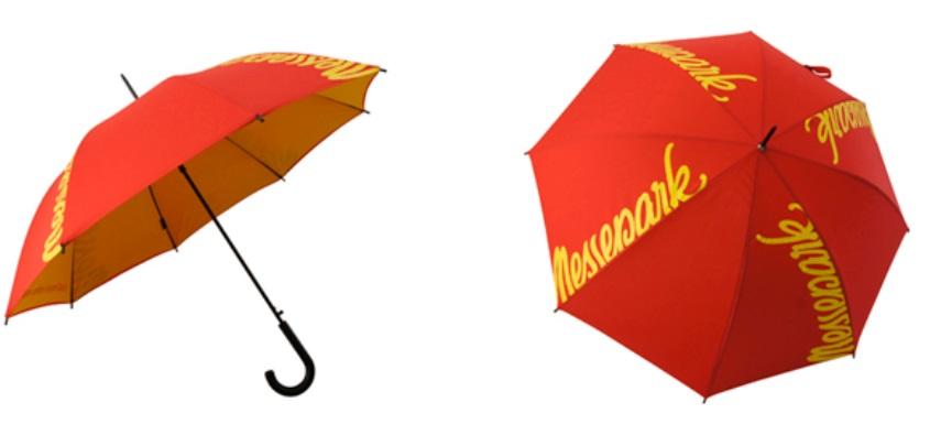 kilka logotypów na parasolu